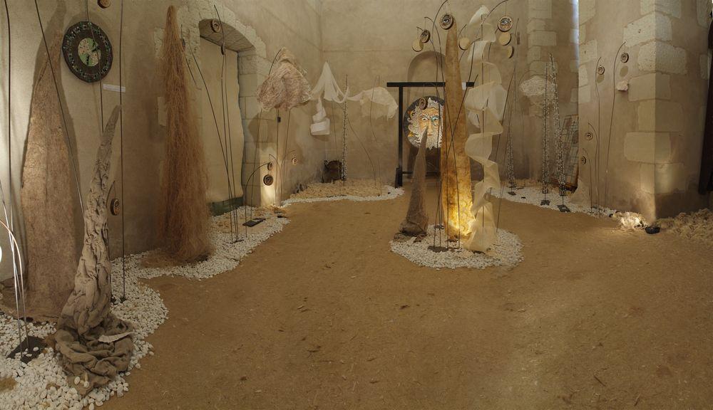"""Installation """"Histoire de matières : au coeur et à travers"""" avec Benoit Pouplard, 2007"""